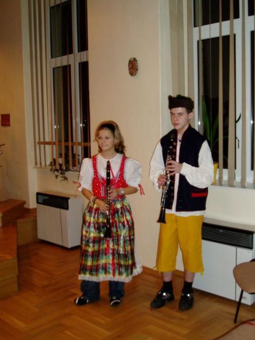 první zkouška krojů Adéla aVilda listopad 2006
