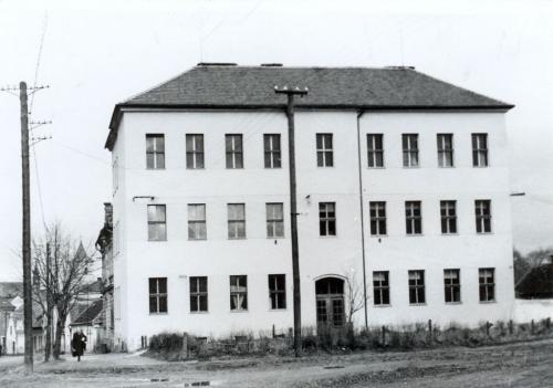 1947-1950 první zázemí hudební školy (ul. Stromořadí)